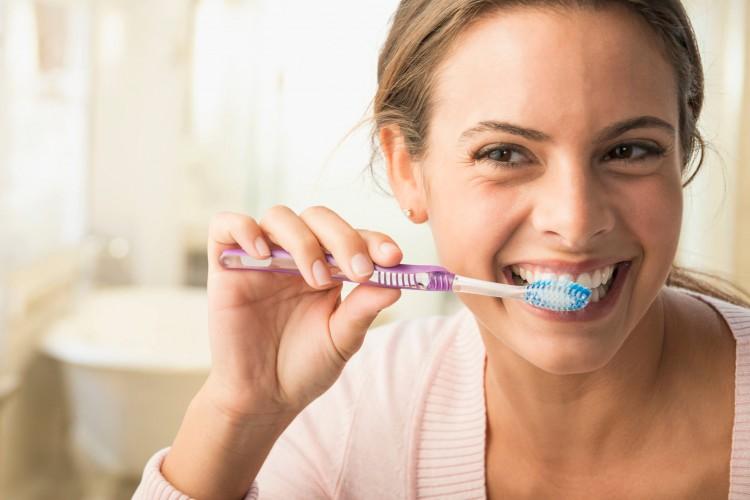 Электрические, электрозвуковые и бамбуковые щетки для зубов